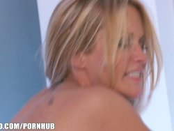 Jessica Drake strips down for anal