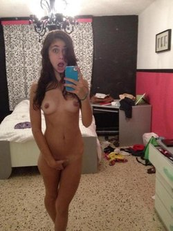 Funny nude picture taken by a teenager