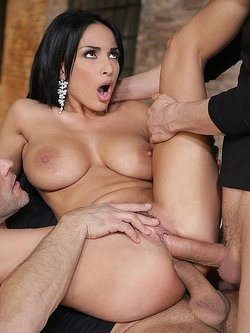 Double penetration for Anissa Kate