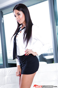 Sexy French babe Anissa Kate