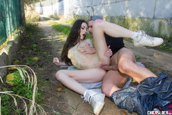 Arwen Gold fucked outdoors
