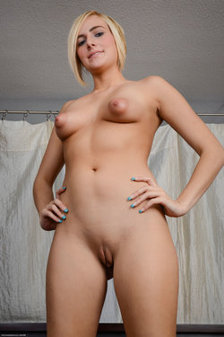 Live Adult Webcams , Camgirls, Sexchat ! --->>  http://livewebcambest.blogspot.com/