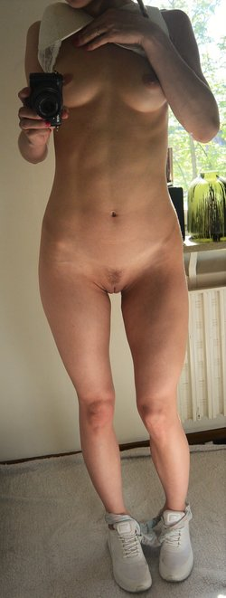 Picture of perfect amateur 20 years old babe
