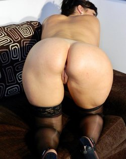 Sexy amateur chick ready for play