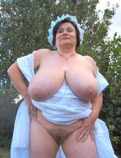 HORNY MATURE BIG TITS BABE ABSOLUTELY GAGGING FOR IT