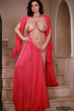 Ewa Sonnet - Lady In Red 3