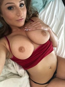 Sexy 20 years old woman ready to get played with