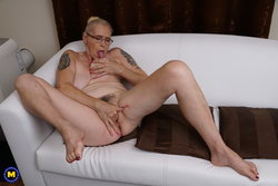 mature granny fingering her hairy old pussy