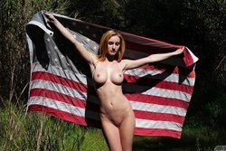 Ashlee Hills Nude In The American Zishy Model