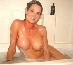 Beautiful Milf shows her perfect tits in the bathtub