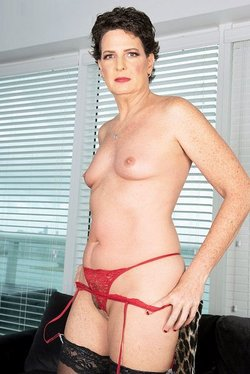 Mature granny pornstar Beth McKenna 50 plus milfs sex collection