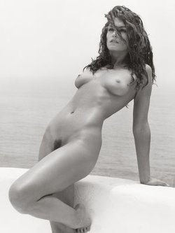 Cindy Crawford topless and fully nude